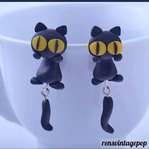 Other - Kitty dangle earrings